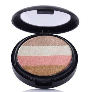 OFRAs Illuminating Blush Stripes